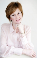 Carole Renshaw: Award Winning Celebrant of Sincere Moments