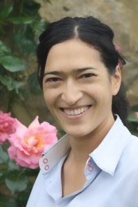 I am a Reiki Practitioner/Teacher offering Reiki treatment and training courses Photo